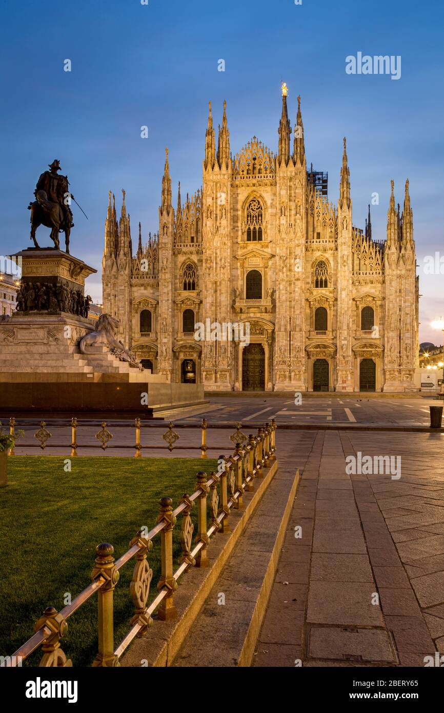Vittorio Emanuele statue and Cathedral in Piazza del Duomo, Milan, Lombardy, Italy Stock Photo