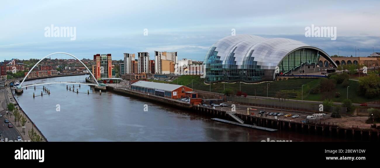 Tyne River, Newcaste upon Tyne, Gateshead, Sage and riverside, evening, NE England, UK, bridges, Gateshead Millennium Bridge Stock Photo