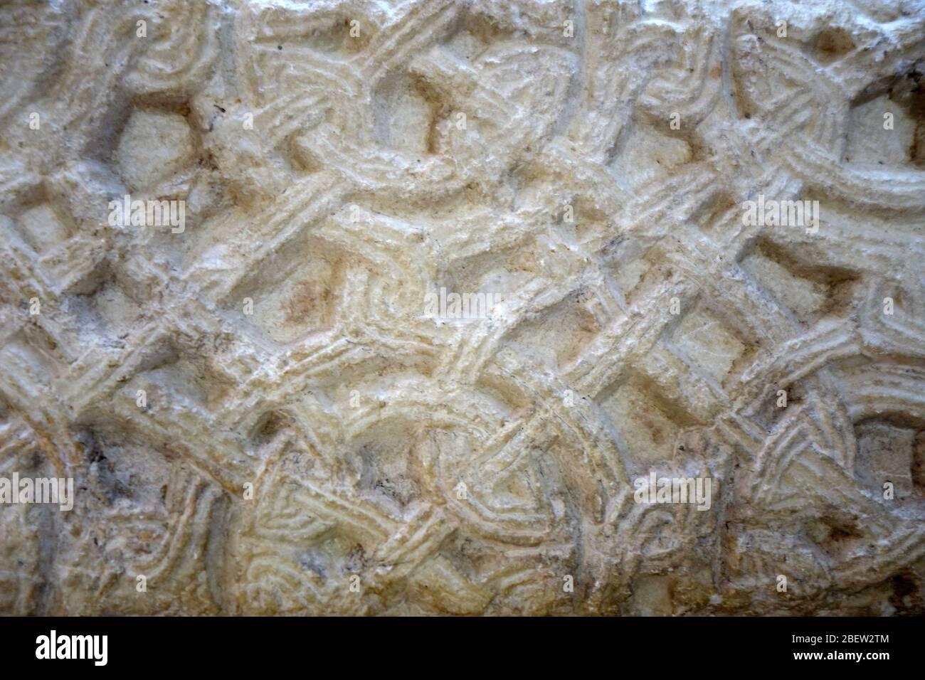 Romanisches Flechtbandmuster Stock Photo