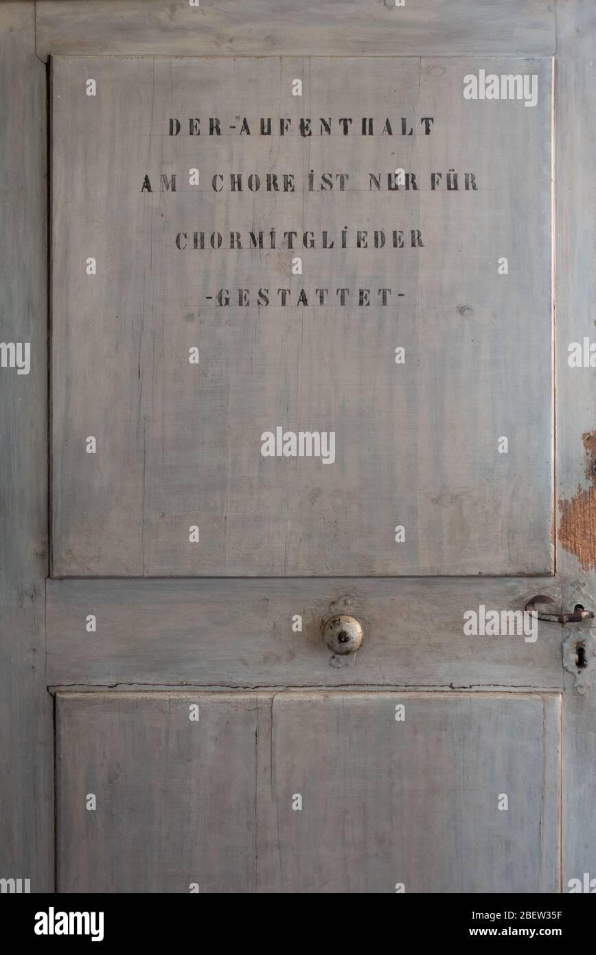 TÜR ZUM CHOR . DOOR TO CHORUS Stock Photo