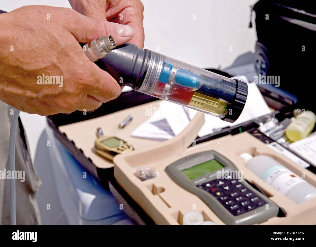 Epa Contracter Taking A Water Sample In The Gulf Of Mexico After The 2010 Bp Oil Spill To Check Salinity Temperature And Ph Stock Photo Alamy