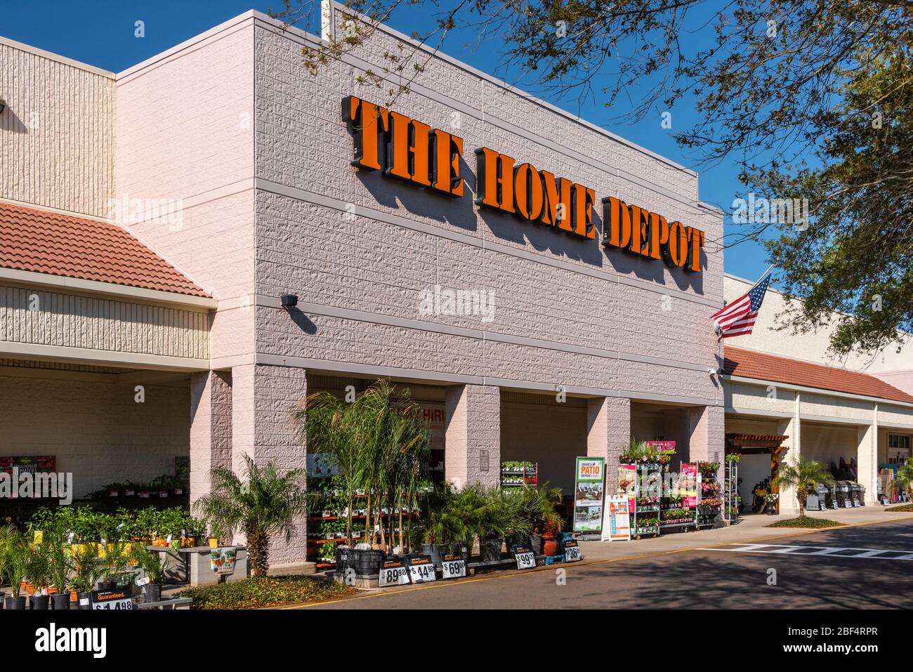 Hardware Store Chain Entrance High Resolution Stock Photography And Images Alamy