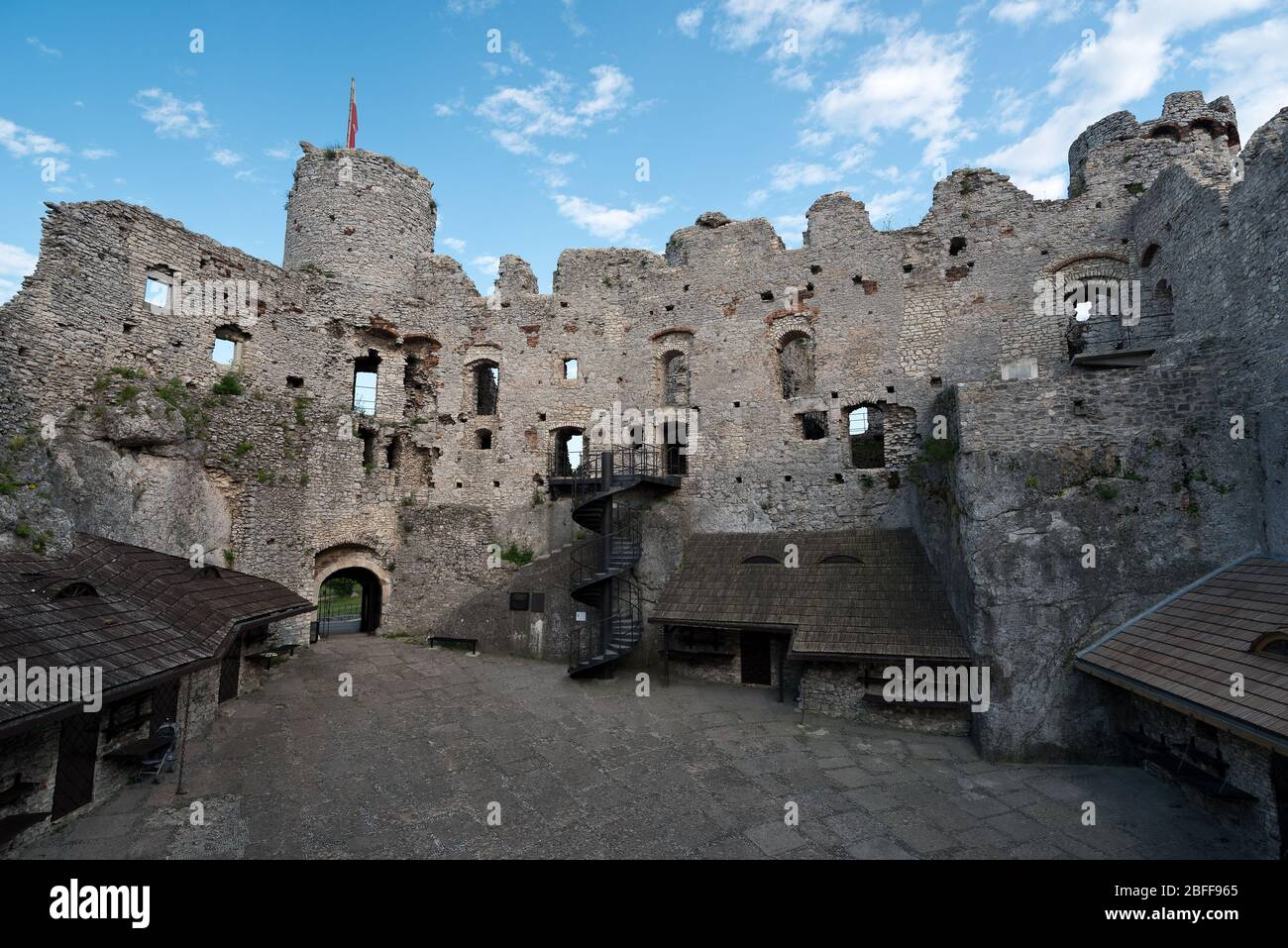 Castle ruins in Ogrodzieniec, Poland. Ogrodzieniec is one of the medieval castle on the Trail of the Eagles Nests Stock Photo