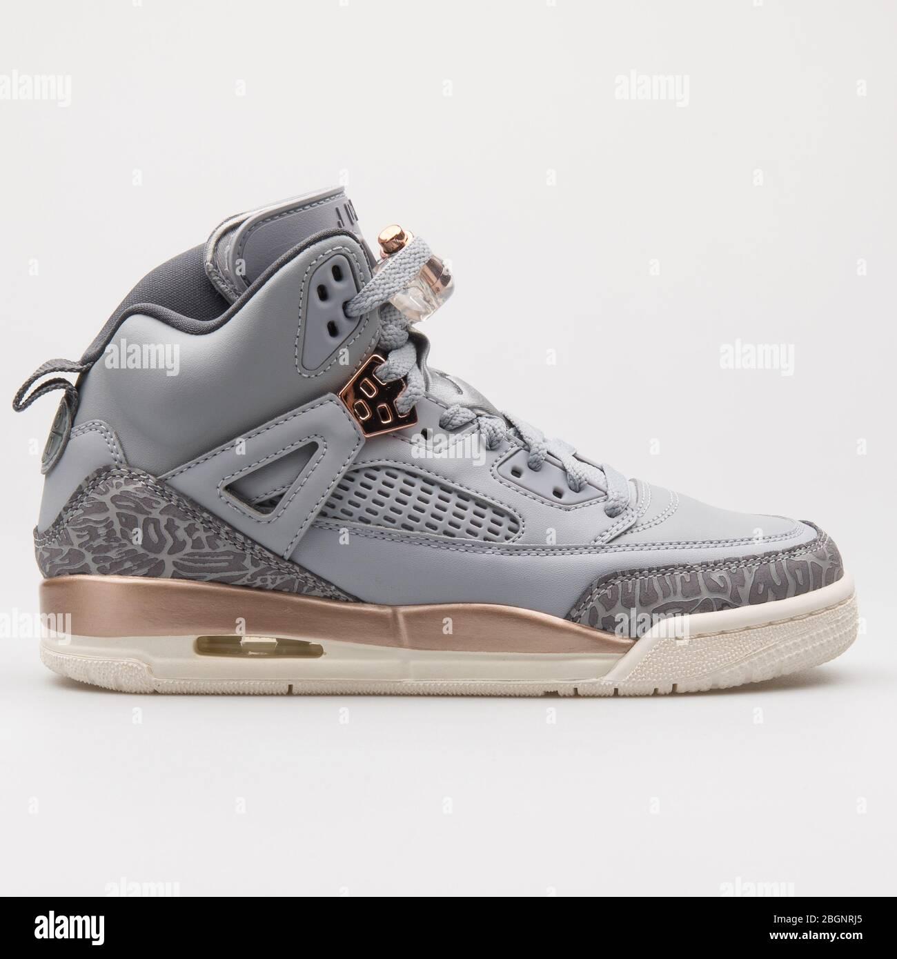 2017: Nike Air Jordan Spizike wolf grey