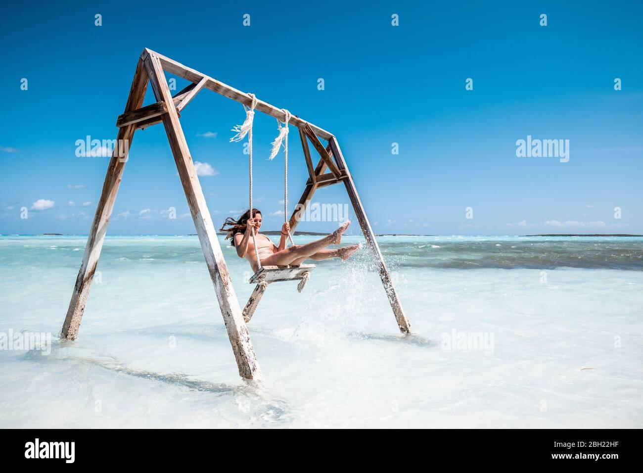 woman swinger in the bahamas