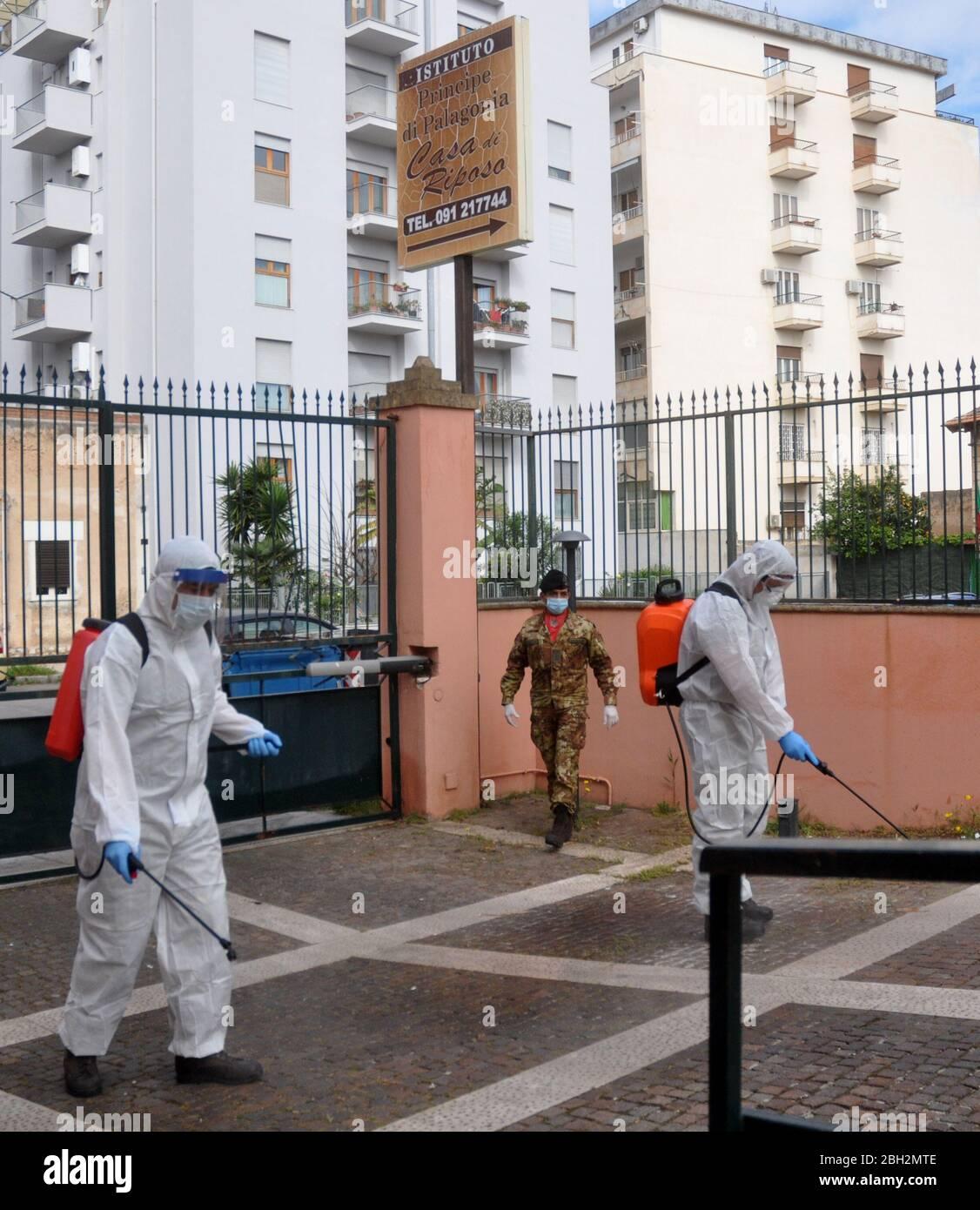 Maison Espana Cena Con Delitto la pia stock photos & la pia stock images - page 3 - alamy