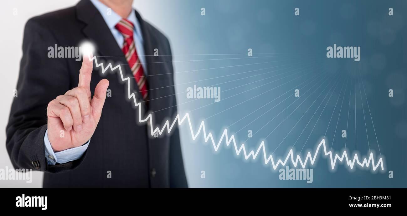 Geschäftsmann zeigt Erfolg mit Chart Stock Photo