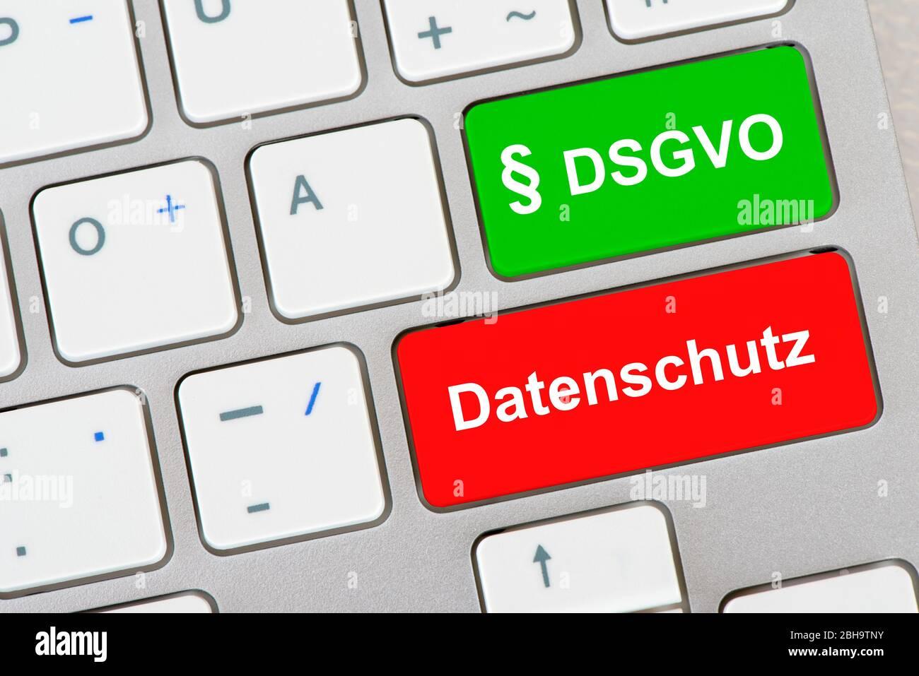 Computer Tastatur mit Aufschrift § DSGVO und Datenschutz Stock Photo