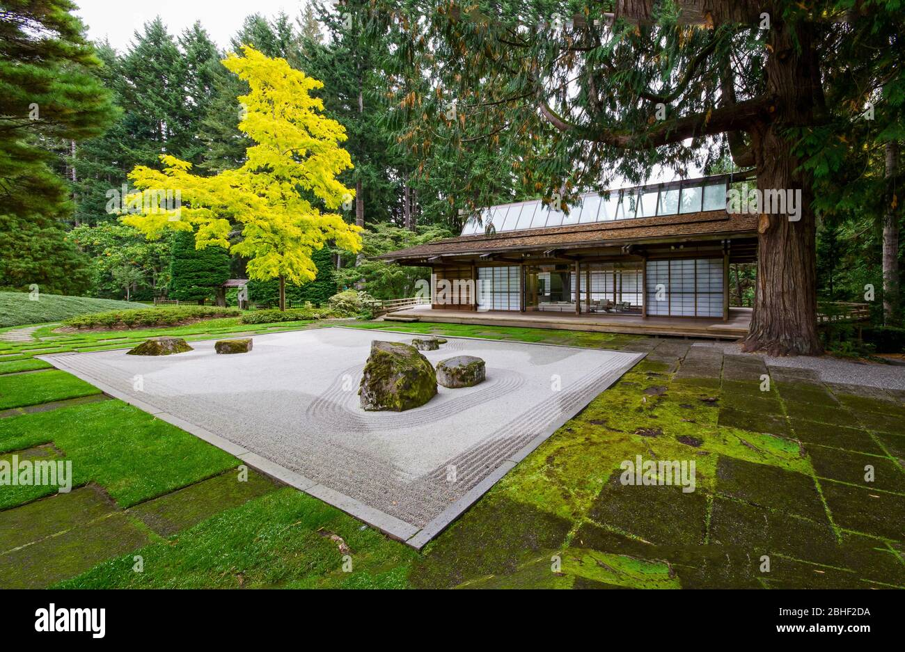 Zen Garden & Japaanese Guest House at Bloedel Reserve Stock Photo