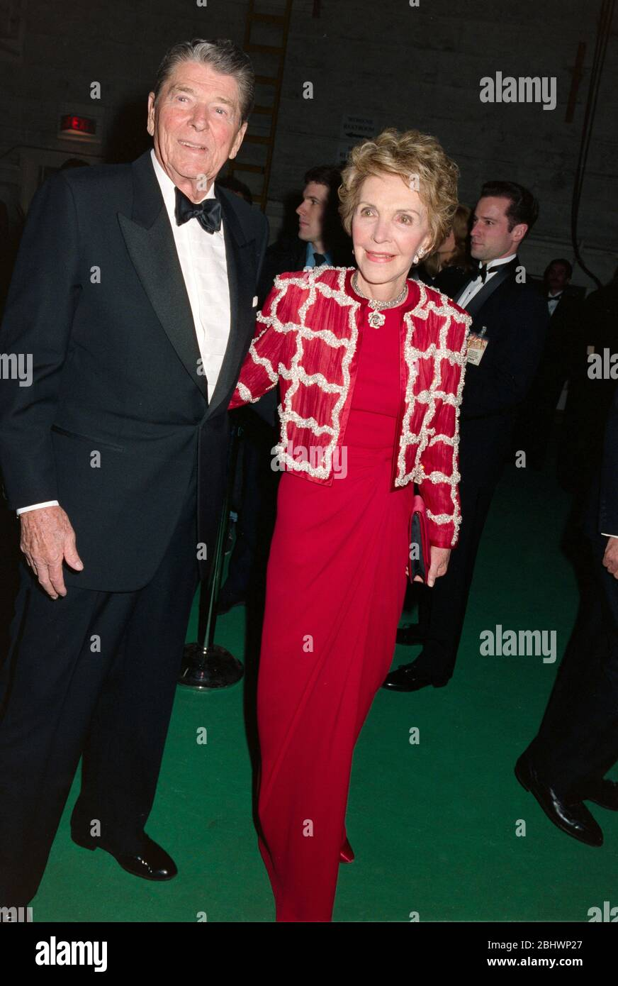 LOS ANGELES, CA. c.1993: Former US President Ronald Reagan & First Lady Nancy Reagan.  File photo © Paul Smith/Featureflash Stock Photo