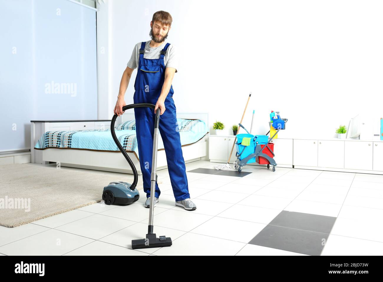 Man Vacuum Cleaner Funny High Resolution Stock Photography And Images Alamy