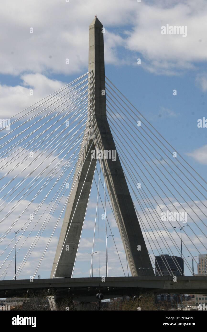 Blick auf eine berühmte Brücke im Zentrum von Boston in den USA Stock Photo
