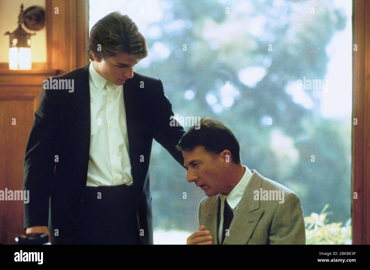 Tom Cruise Dustin Hoffman Rain Man 1988 Stock Photo Alamy