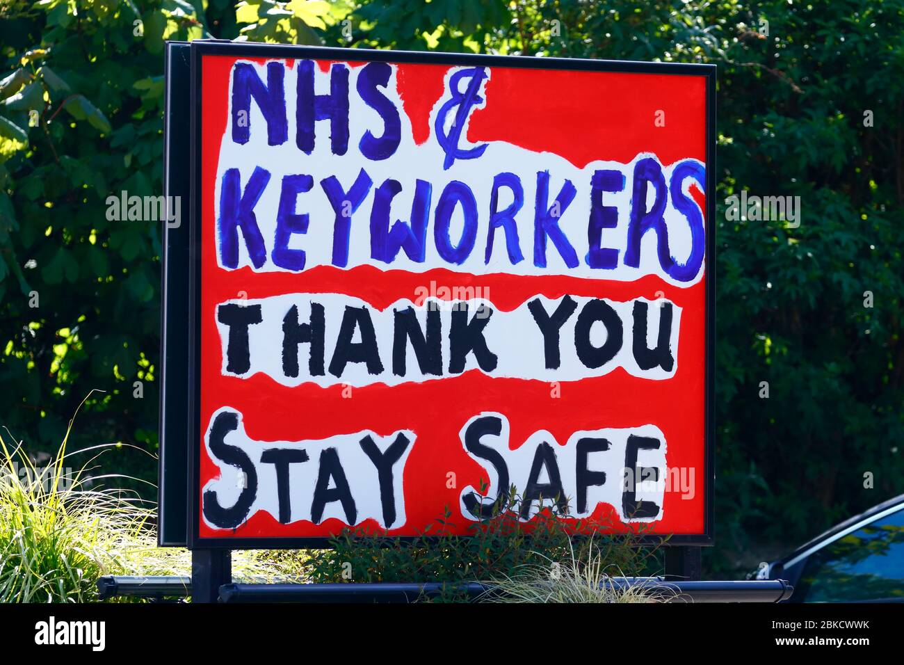 Messgaes outside the Gasgoigne Public House in Garforth showing their support for the NHS & Key Workers during the cornavirus outbreak. Stock Photo