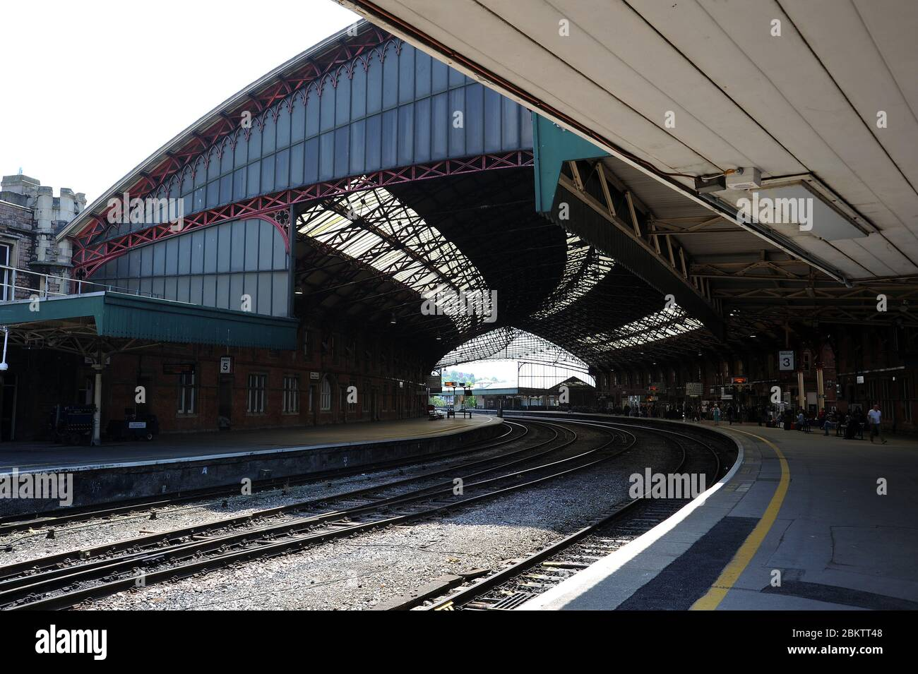 Looking west along platform 3 of Bristol Temple Meads Station. Stock Photo