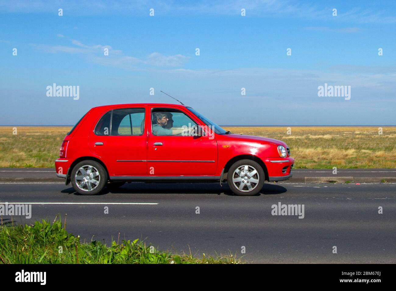 Page 2 Red Nissan High Resolution Stock Photography And Images Alamy