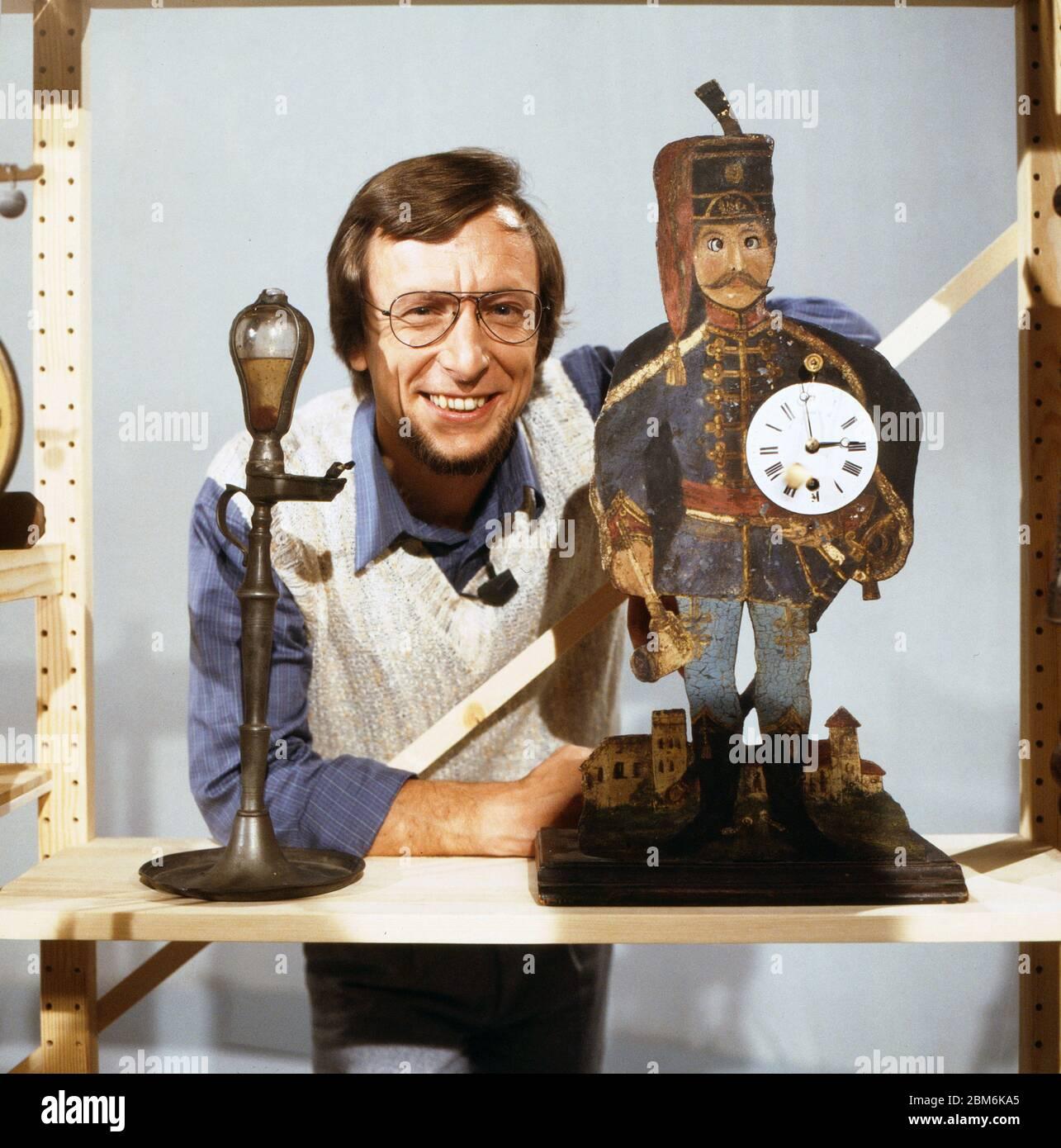 Technik für Kinder, Fernsehserie, Deutschland 1975 - 1980, Folge: Wie kann man Zeit messen, Moderator: Volker Arzt Stock Photo