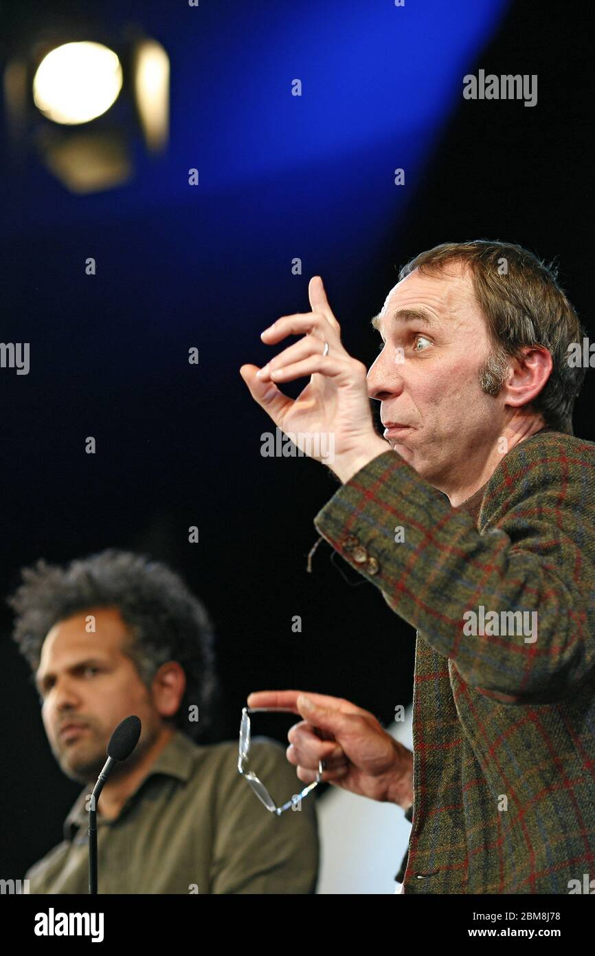 Will Self, journalist and author talks to Sarfraz Manzoor, Hay Festival the 25th May 2013. Hay-On-Wye, Powys, Wales. ©PRWPhotography Stock Photo