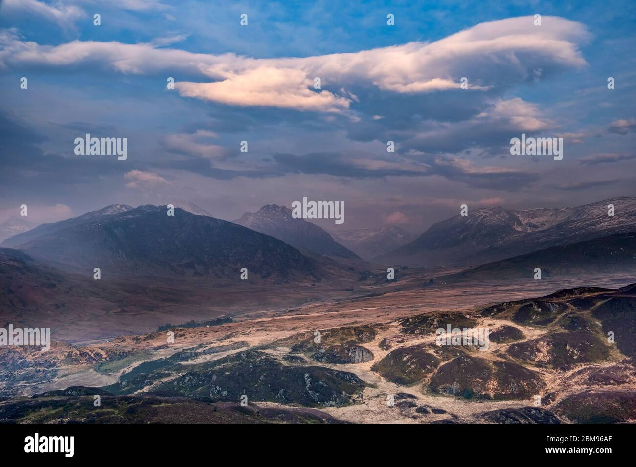 The Ogwen Valley and Glyderau Mountains at dawn from Crimpiau, Snowdonia National Park, North Wales, UK Stock Photo