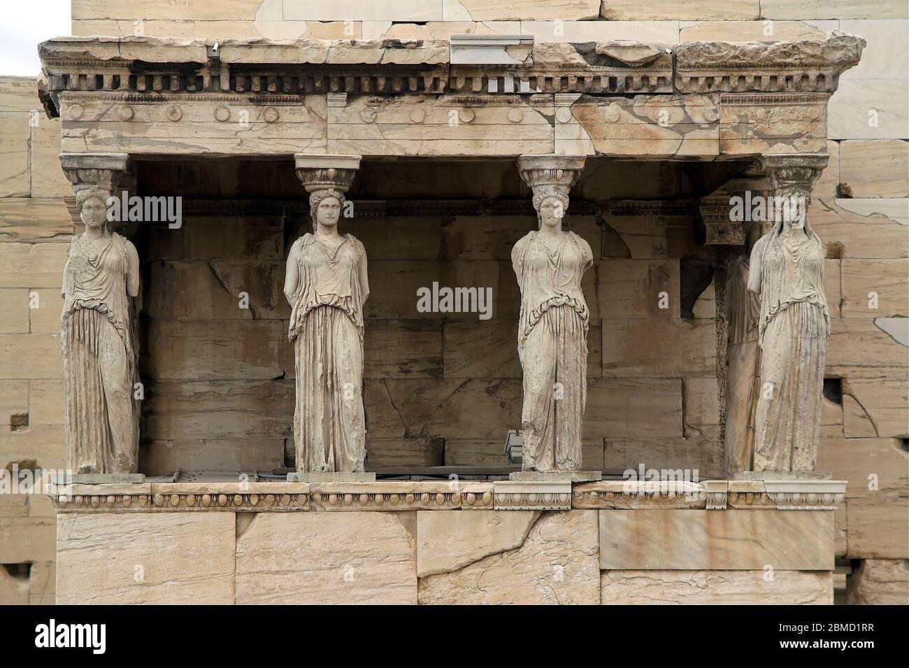 Ateny, Grecja, Akropol, Erechtejon, portyk z kariatydami; Acropolis of Athens; Erechtheion, Porch of the Caryatids; Akropolis in Athen, Die Karyatiden Stock Photo