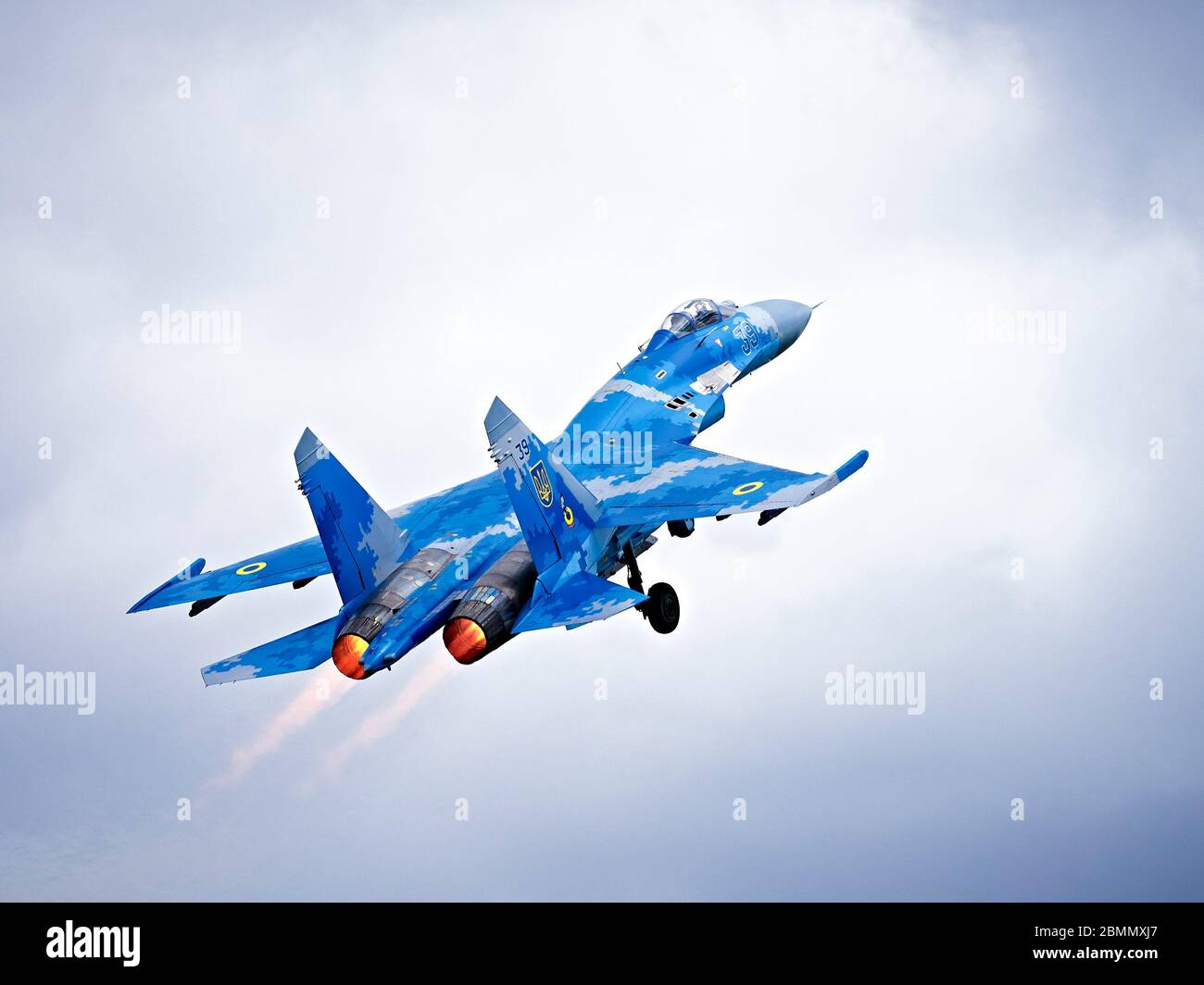 """Ukrainian Air Force Sukhoi Su-27 (NATO reporting name: """"Flanker"""") flying at RIAT 2019 Stock Photo"""