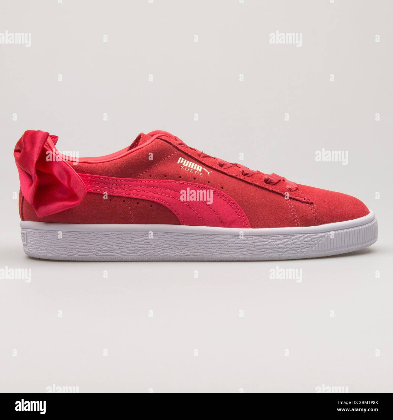 Puma Suede Bow red sneaker