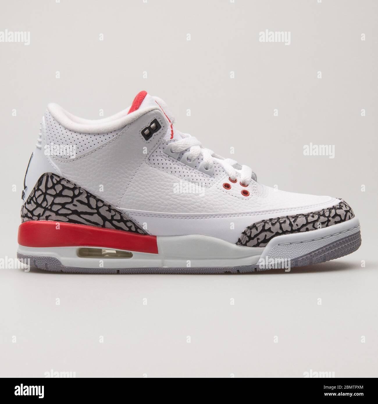 Nike Air Jordan 4 Retro white. grey