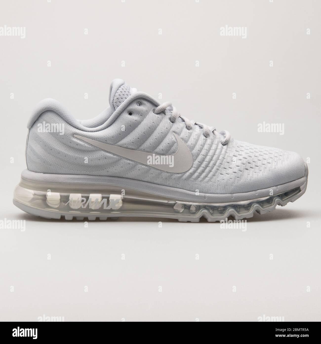 Nike Air Max 2017 SE platinum white
