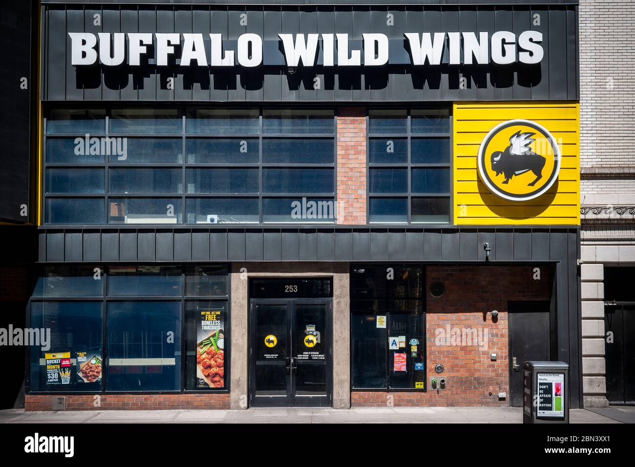 A closed franchise of Buffalo Wild Wings in New York during the COVID-19 pandemic on Thursday, May 7, 2020.  (© Richard B. Levine) Stock Photo