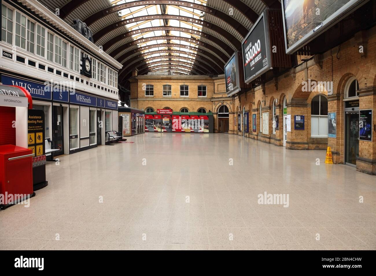 York Station Uk During Lockdown For The Coronavirus Or Covid 19 Travel Restrictions Stock Photo Alamy