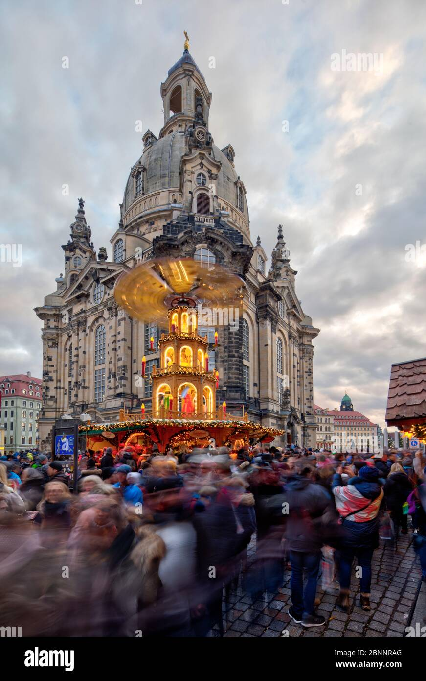Christmas market at the Frauenkirche, Neumarkt, old town, Dresden, Saxony, Germany, Stock Photo