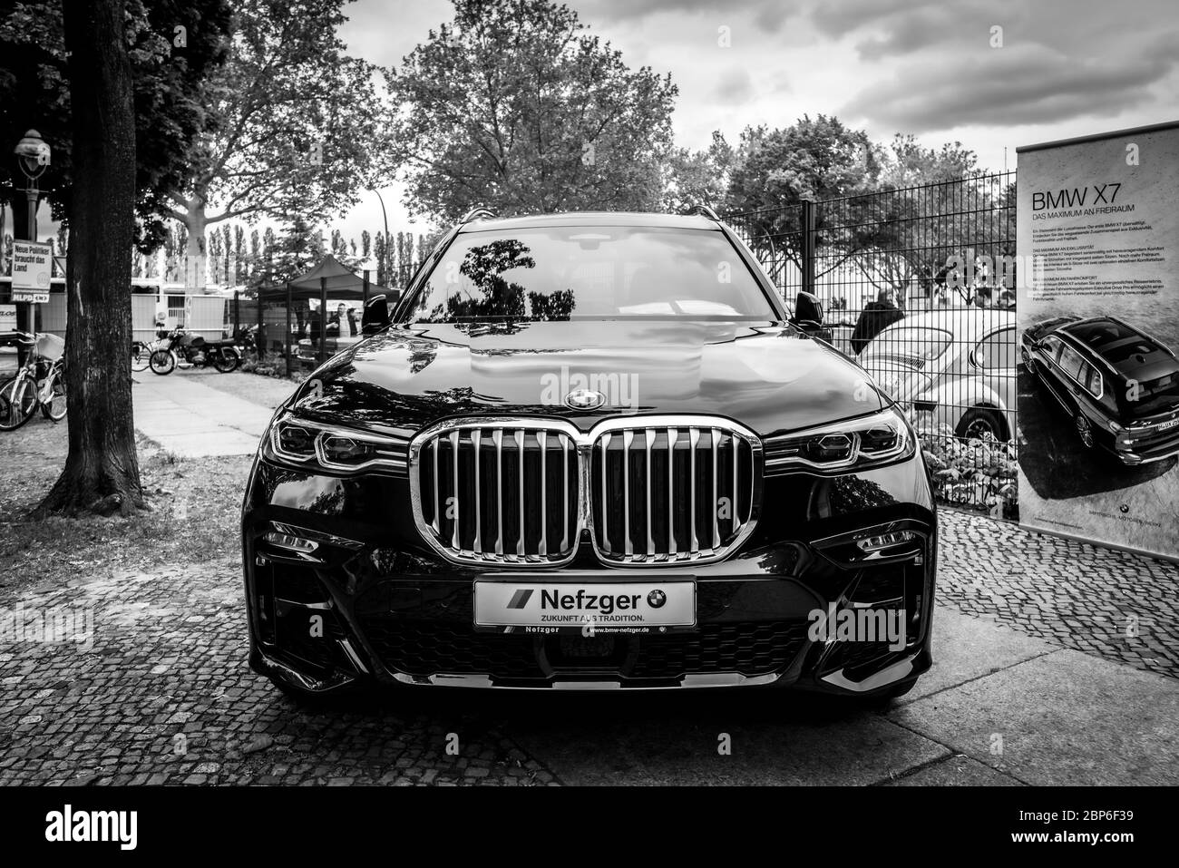Black Bmw Suv High Resolution Stock Photography And Images Alamy