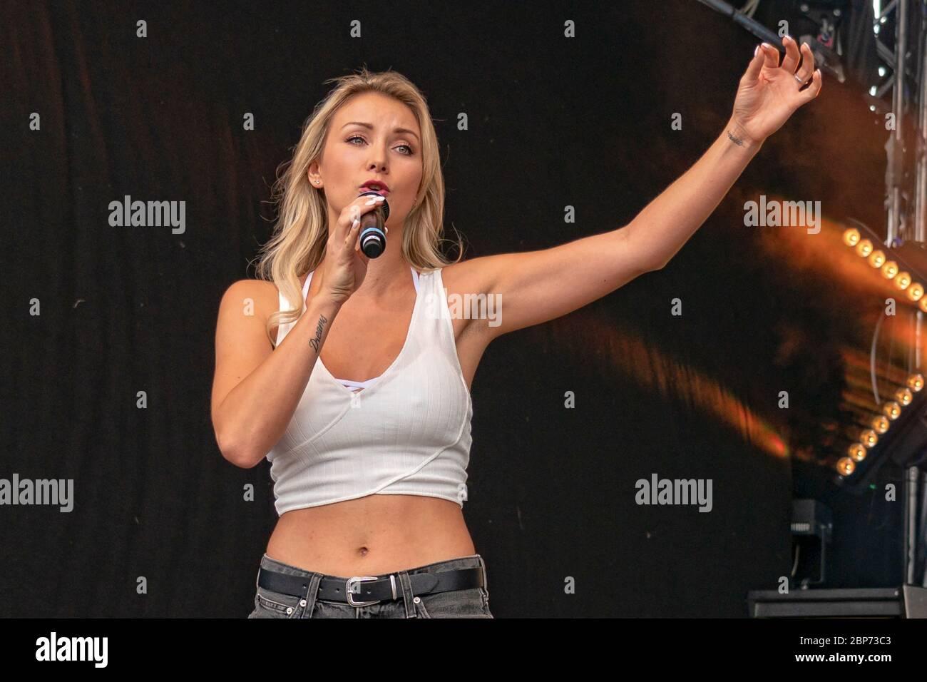 Woitschack nackt carina Stefanie Hertel