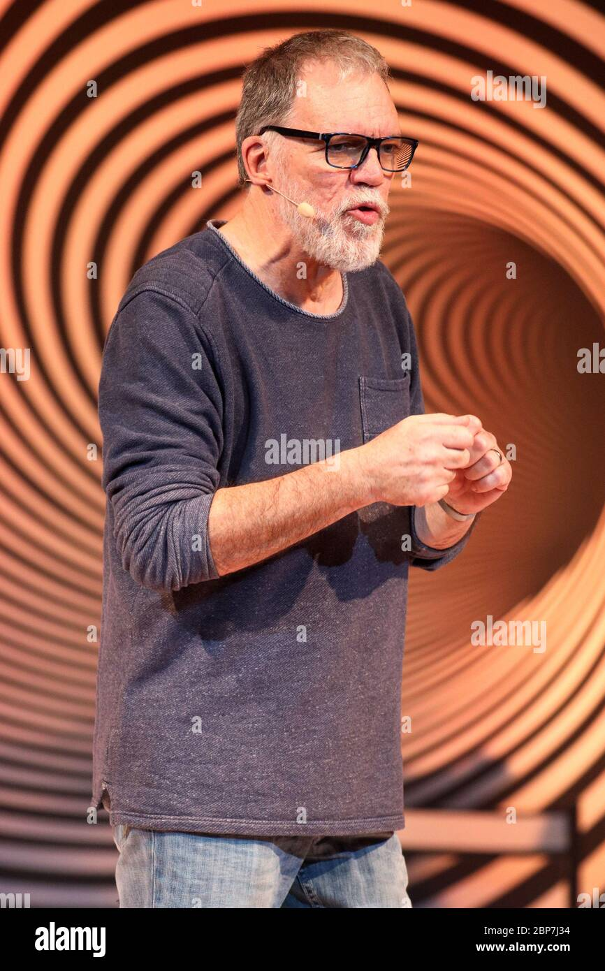 Wolfgang Trepper Pompoes 2019 Schmidts Tvoli Hamburg 20 11 2019 Stock Photo Alamy