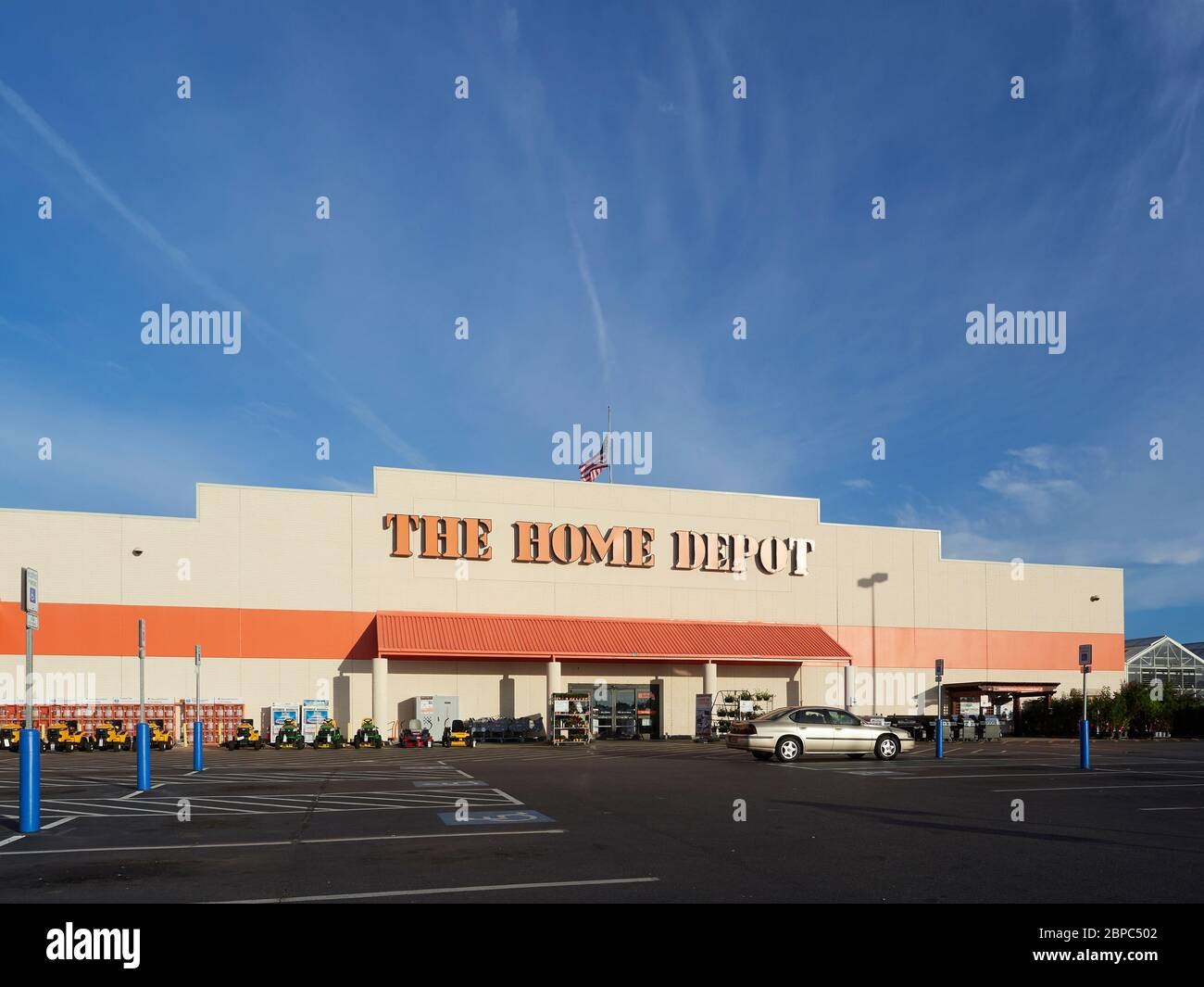 Hardware Big Box Store High Resolution Stock Photography And Images Alamy