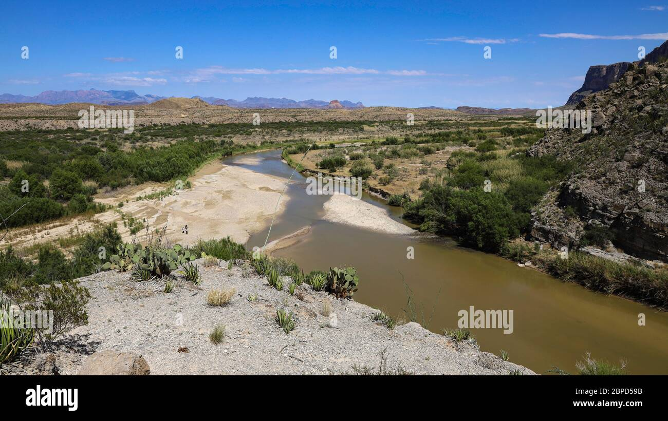 A view to the east with the Chisos Mountains in the distance from high on the Santa Elena Canyon Trail Stock Photo