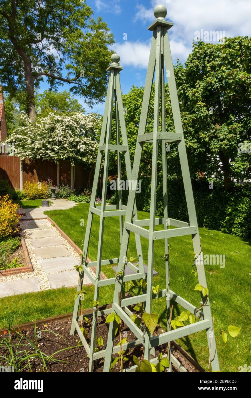 Garden Obelisk High Resolution Stock Photography And Images Alamy