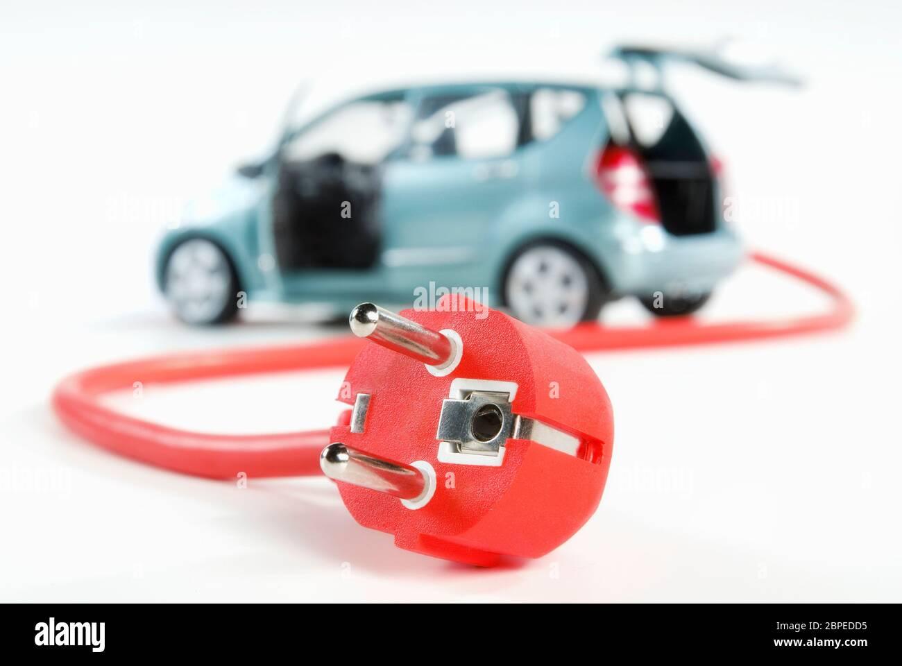 Modernes Auto mit Kabel und Stecker Stock Photo