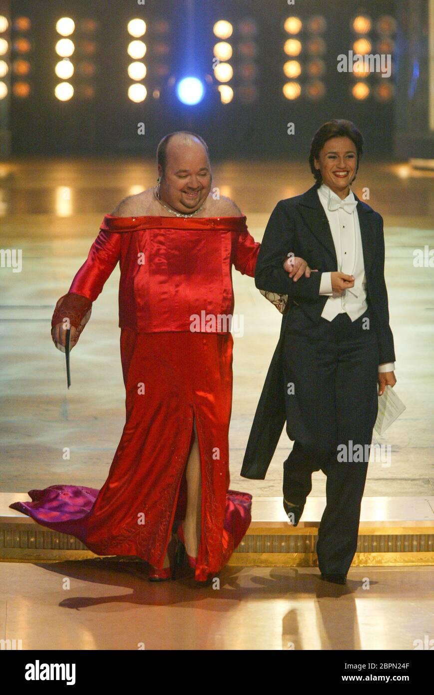 Deutscher Fernsehpreis 2002  - Dirk Bach und Sandra Maischberger. Stock Photo