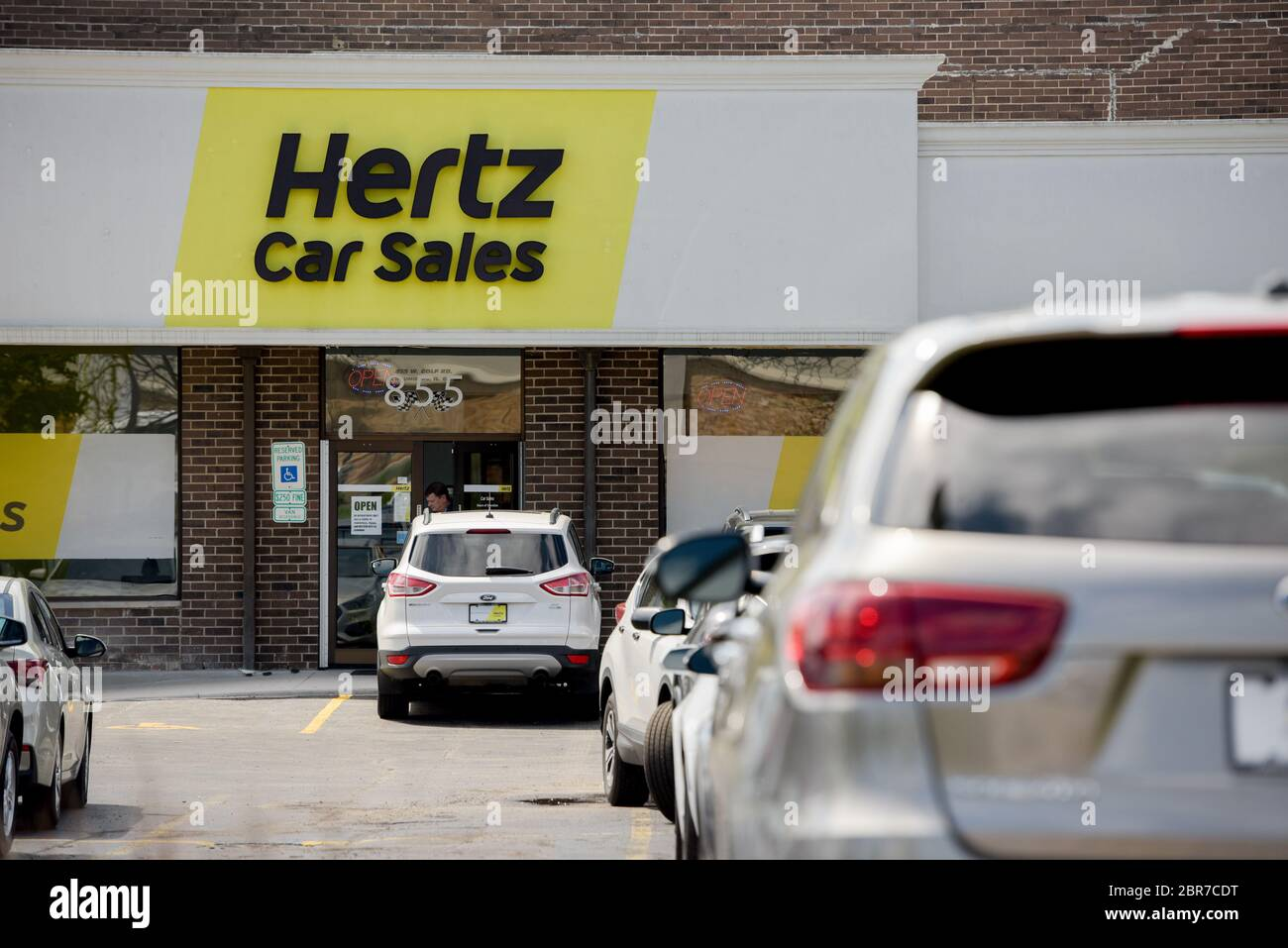 Page 3 Hertz Car Rental High Resolution Stock Photography And Images Alamy
