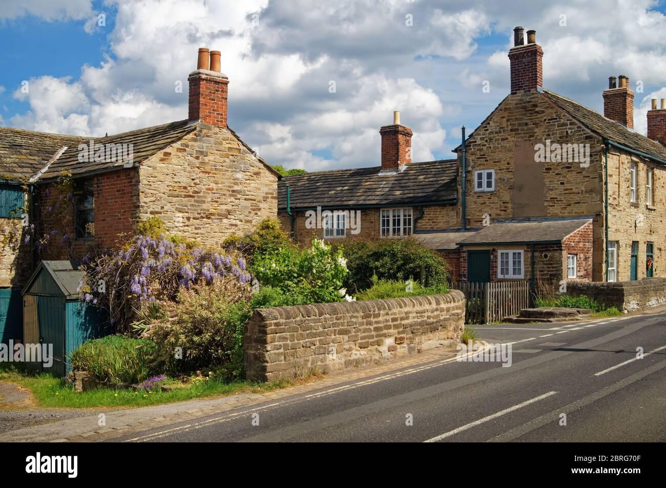 UK,South Yorkshire,Rotherham,Wentworth,Cottage next to B6090 Stock Photo