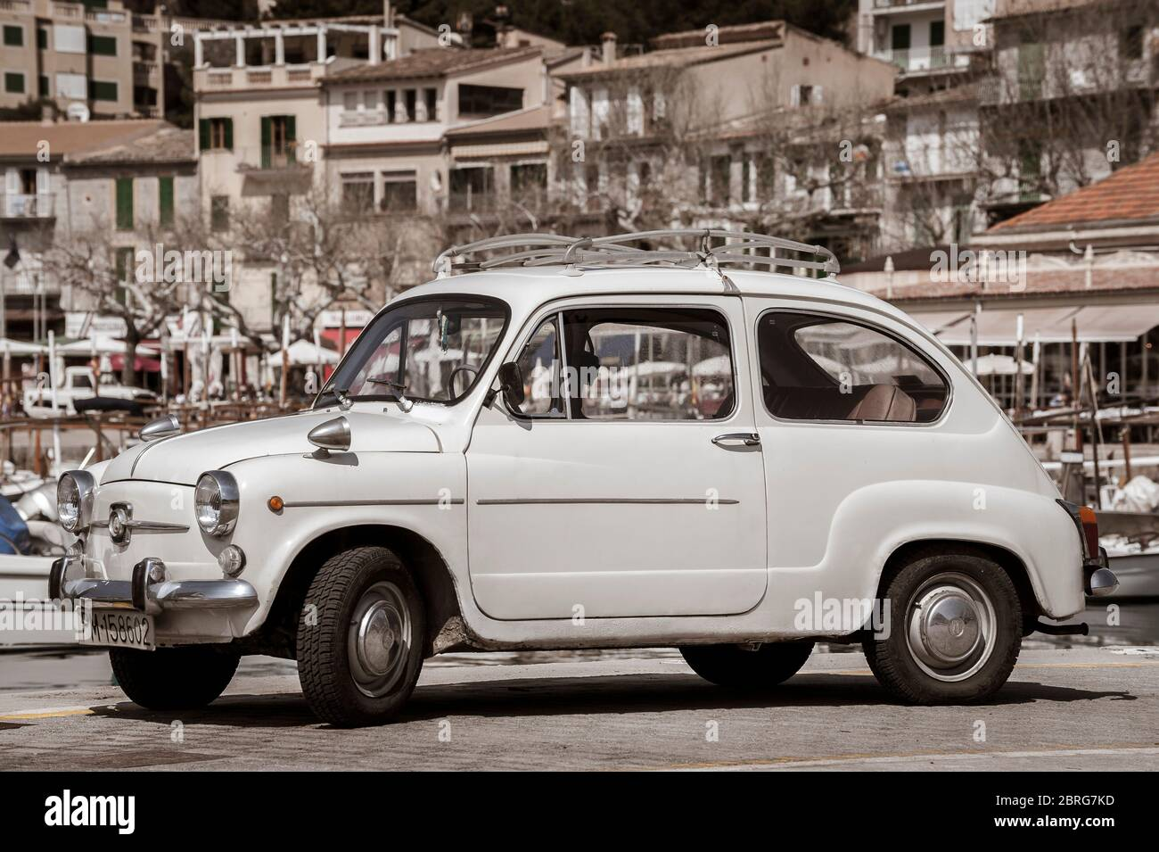 Fiat 600 High Resolution Stock Photography And Images Alamy