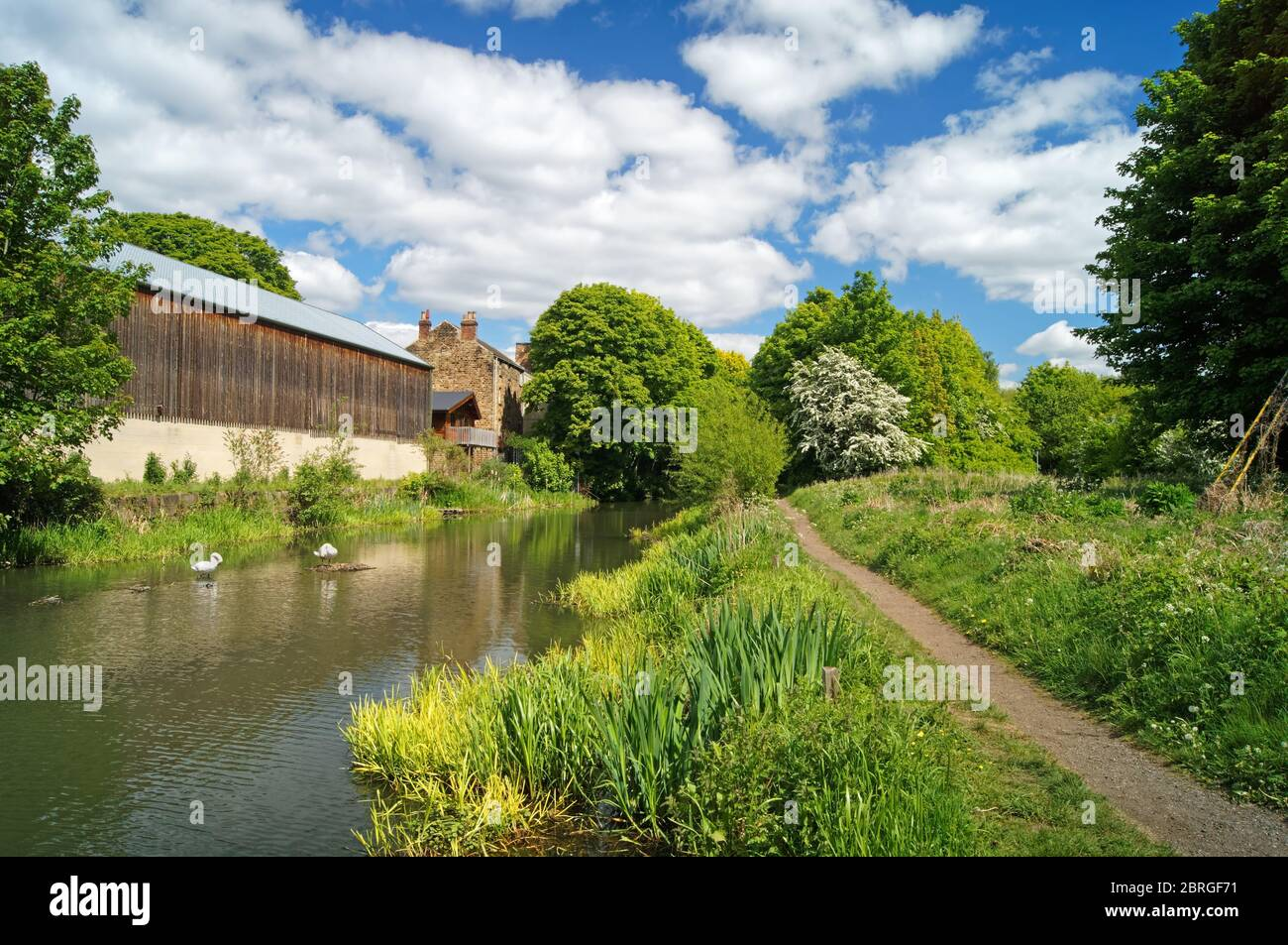 UK,South Yorkshire,Elsecar,Buildings next to Elsecar Canal Stock Photo