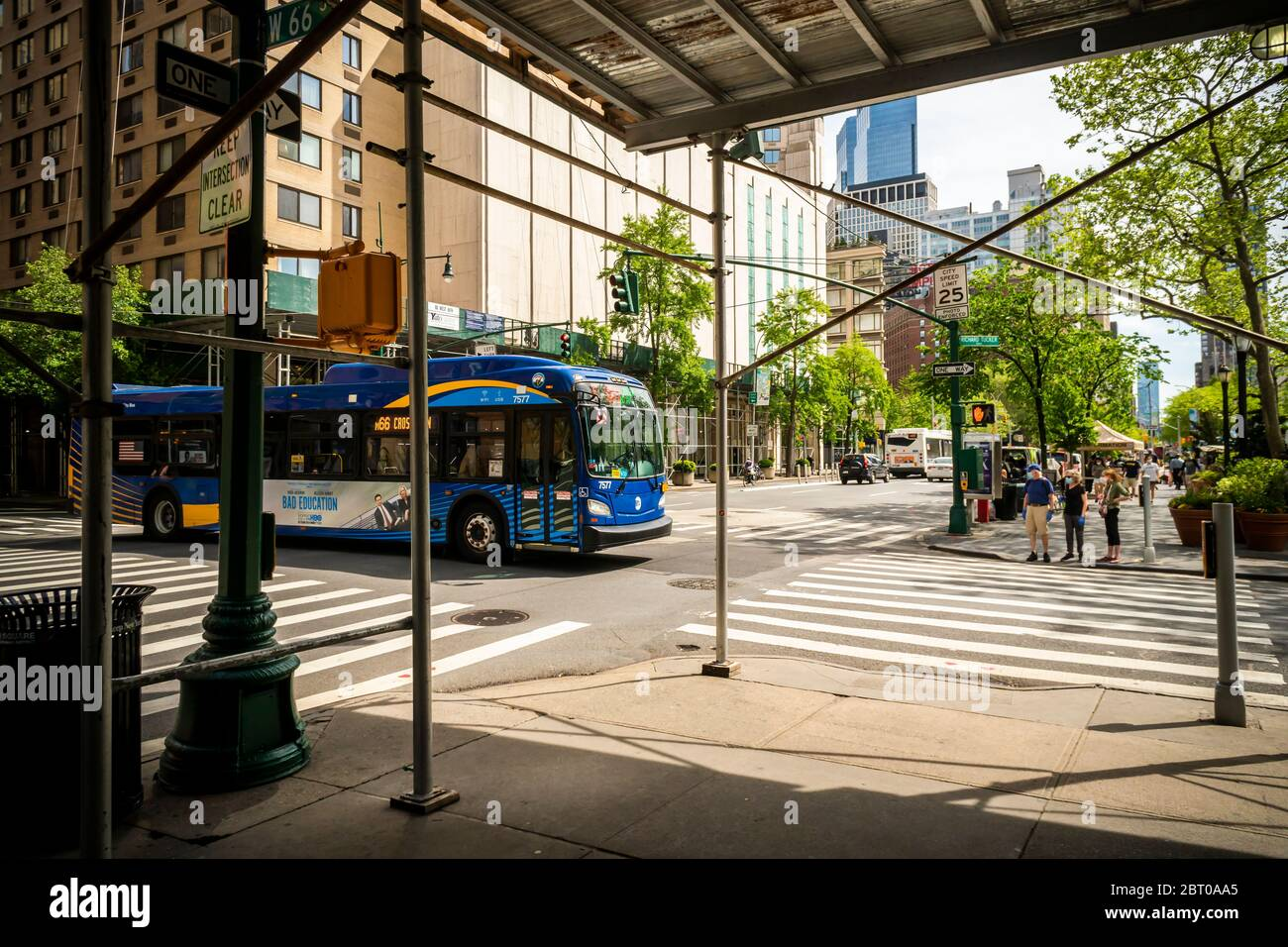 M66 bus in the Lincoln Square neighborhood in New York on Saturday, May 16, 2020. (© Richard B. Levine) Stock Photo