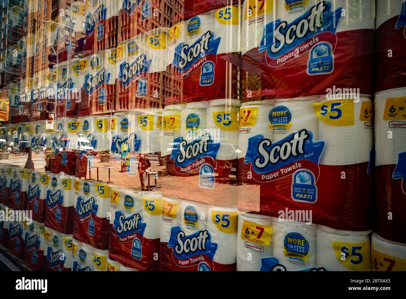 A selection of Kimberly-Clark's Scott brand paper products displayed in the window of a store in New York on Thursday, May 21, 2020. (© Richard B. Levine) Stock Photo