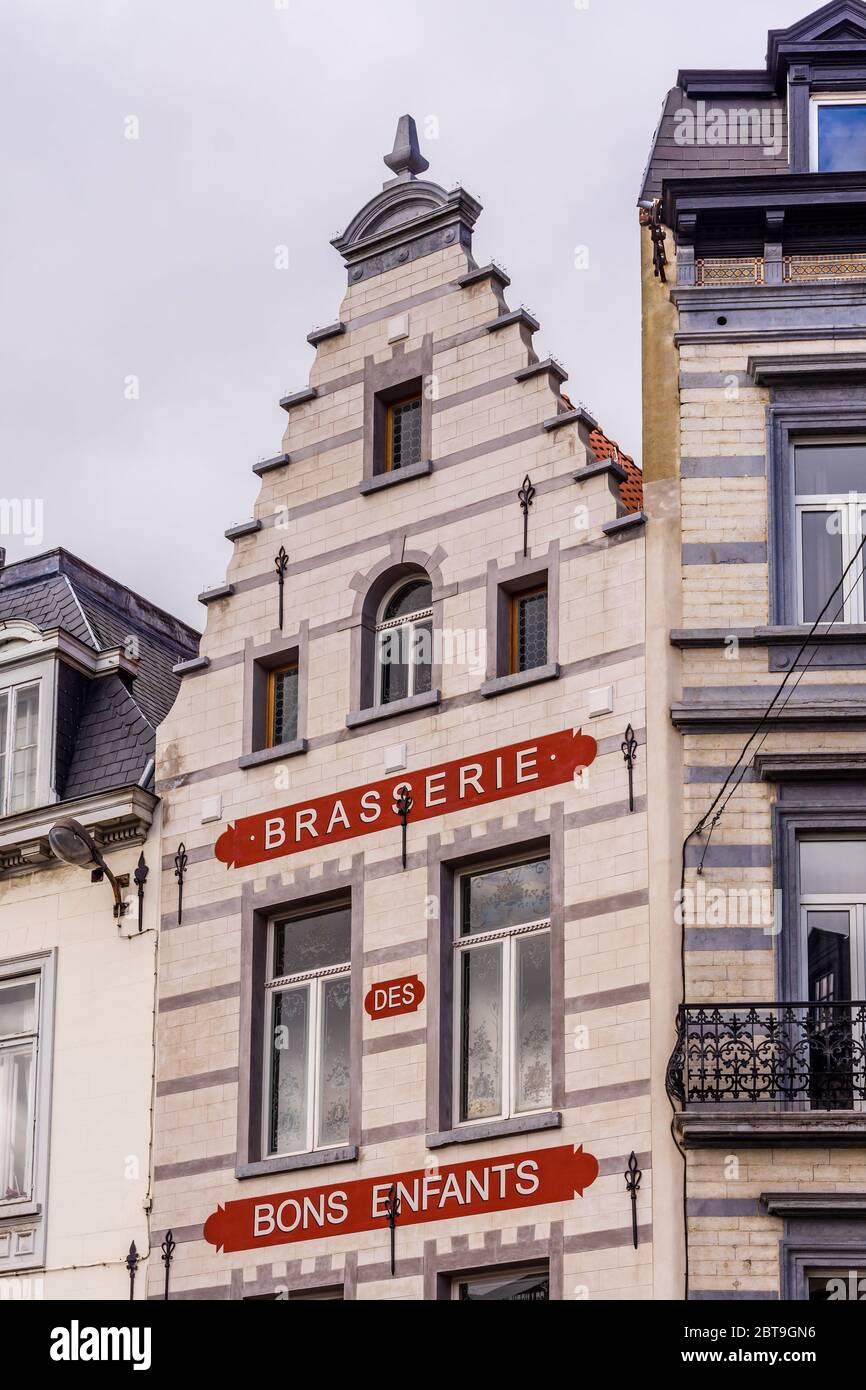 "Frontage of the ""Brasserie des Bons Enfants"" (built 1561) restaurant on the Rue des Minimes, Brussels, Belgium. Stock Photo"