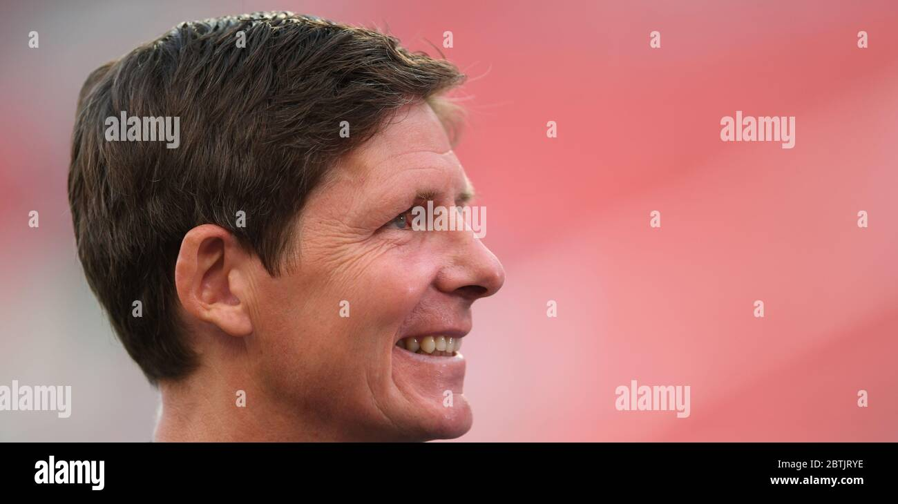 Leverkusen, Germany. 26th May, 2020. Football: Bundesliga, Bayer Leverkusen - VfL Wolfsburg, 28th matchday in the BayArena. Coach Oliver Glasner of Wolfsburg smiles before the game. IMPORTANT NOTE: In accordance with the regulations of the DFL Deutsche Fußball Liga and the DFB Deutscher Fußball-Bund, it is prohibited to use or have used in the stadium and/or photographs taken of the match in the form of sequence images and/or video-like photo series. Credit: Marius Becker/dpa-Pool/dpa/Alamy Live News Stock Photo