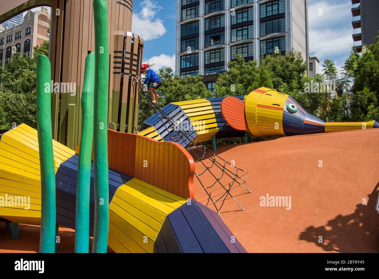 New York City New York August 10 2019 Chelsea Waterside Park Nyc Stock Photo Alamy