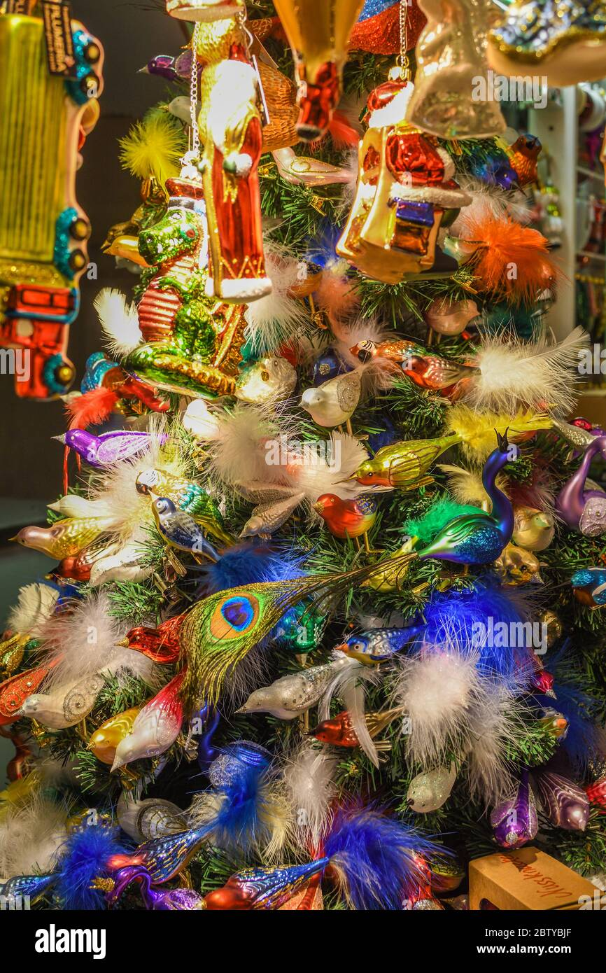 Christmas Decorations And Ornaments On The Market In Vienna For Sale On Christmas Fair In Western Europe Vienna Austria Colored Xmas Globes Balls Stock Photo Alamy