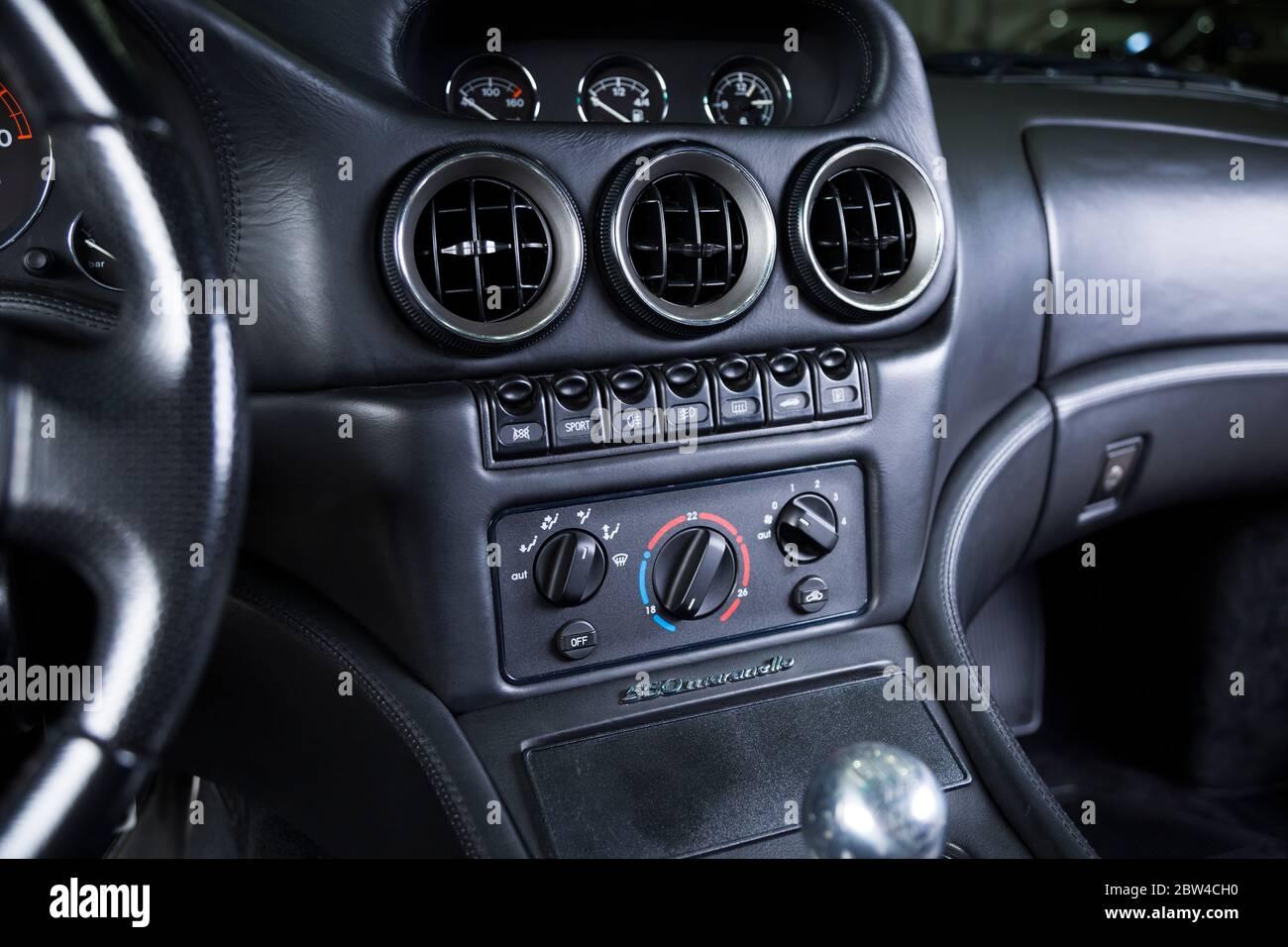 Close Up Of A Ferrari 550 Maranello Interior Stock Photo Alamy